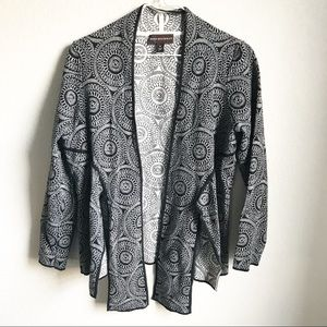 Dana Buchman • Cardigan Black & White Medium